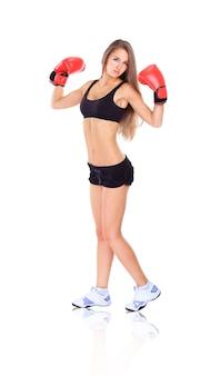 Donna durante fitness e boxe