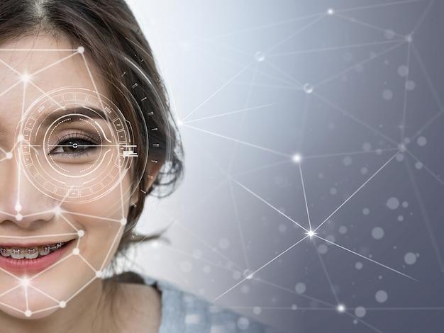 Rilevamento e riconoscimento del volto di donna sulla forma di connessione della tecnologia