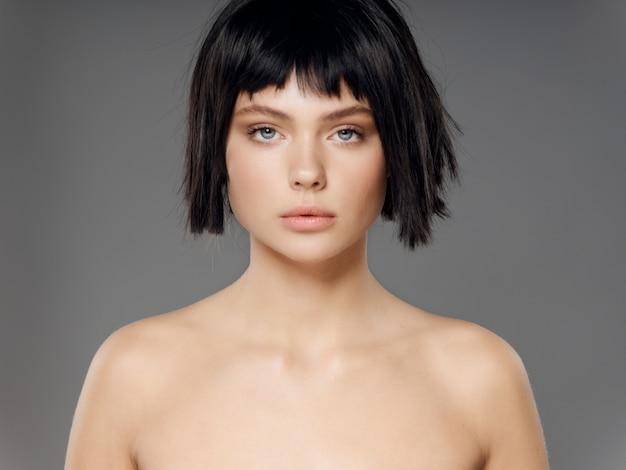 Parrucca nera del ritratto della donna, ritratto di bellezza