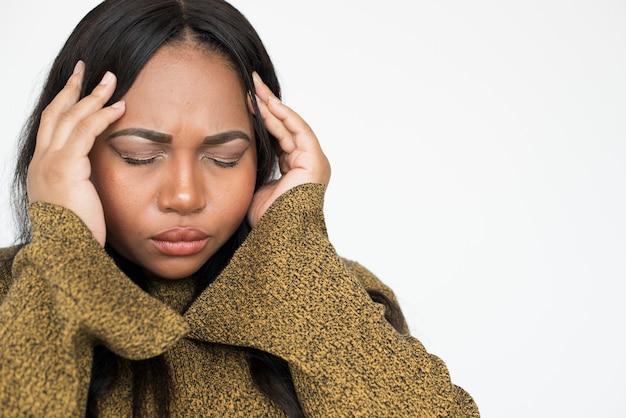 Concetto di espressione del viso stressato donna