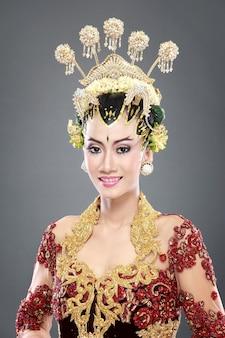 Abito da sposa tradizionale donna di java