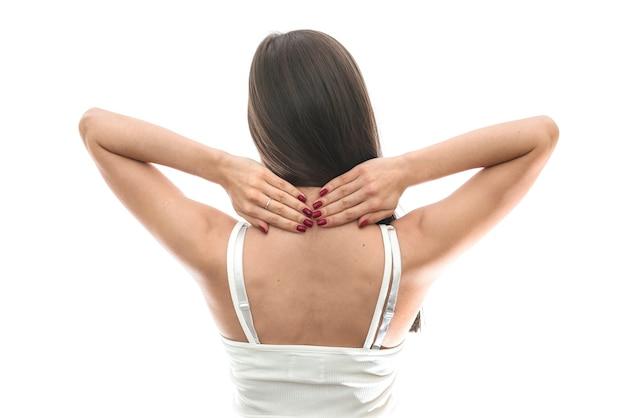 Donna con dolore al collo isolato