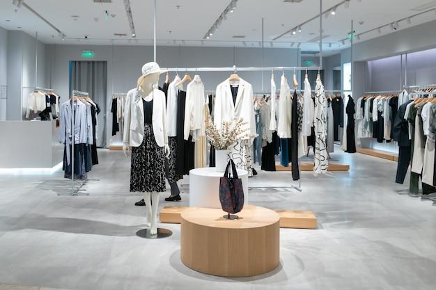 Negozio di moda femminile nel centro commerciale