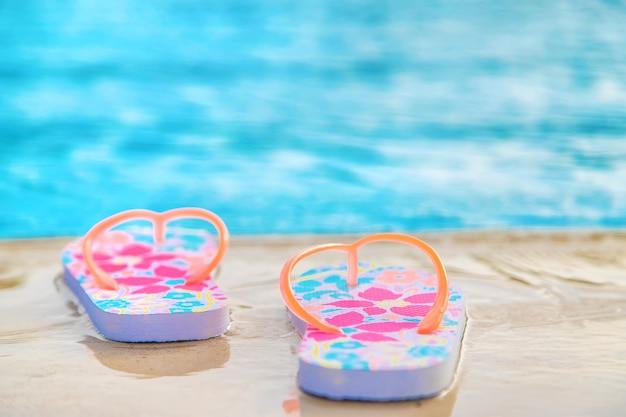 Flip flip da donna a bordo piscina