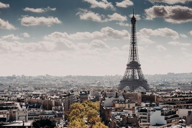 Splendido paesaggio della torre eiffel