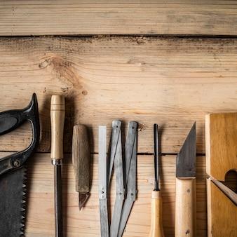 Disposizione degli elementi di lavorazione del legno
