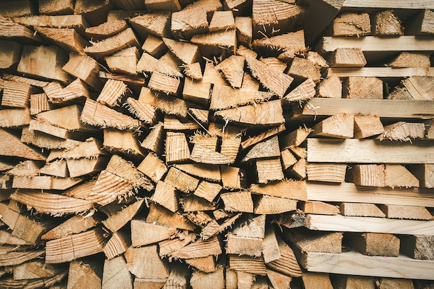 Trama di sfondo mucchio di legno. sfondo astratto a schermo intero