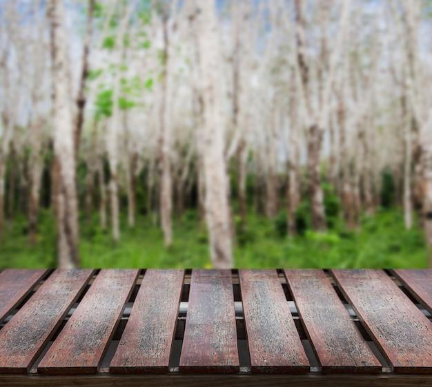 Tavolo in legno da esterno da giardino per esporre prodotti della natura