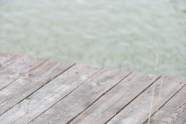 Sfondo di acqua da tavola in legno