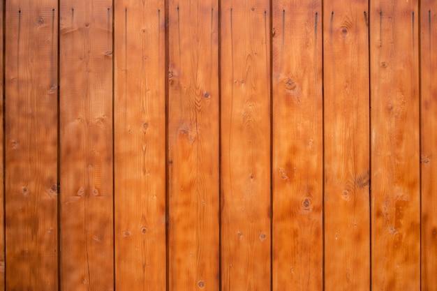 Plance di struttura in legno e fondo in legno.