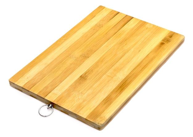 Ceppo in legno per macellaio isolato su sfondo bianco
