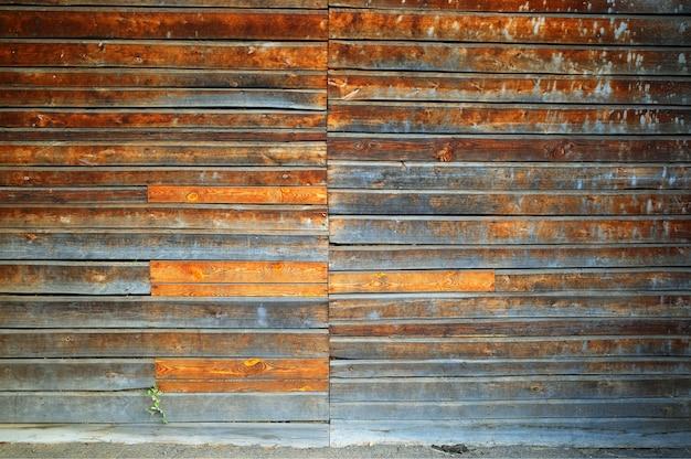 Fondo di struttura della porta chiusa in legno