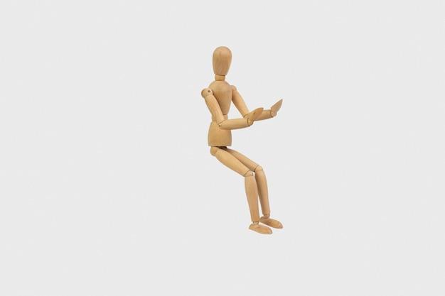 Gestalt in legno pose espressione di emozioni
