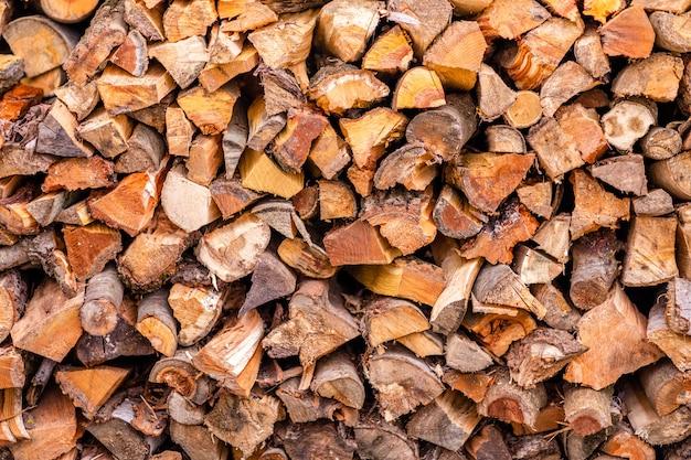 Ceppi di legno ammucchiati