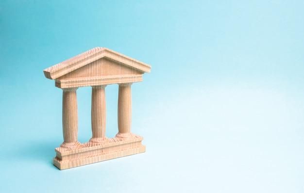 Monumento in legno o edificio governativo. rappresentazione minimalista di un edificio statale
