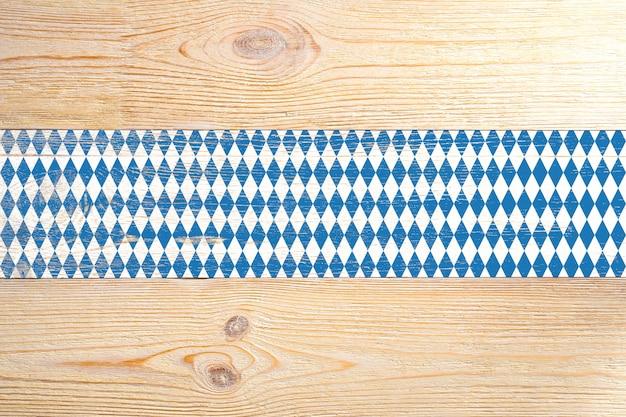 Assi di legno dipinti rombi blu e bianchi