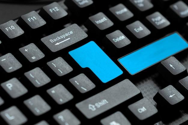 Idee per programmi di elaborazione testi, concetto di aggiornamenti di programmazione di registrazione, tecnologia di scrittura avanzata, attività di navigazione in chat su internet, collegamento di persone a livello globale