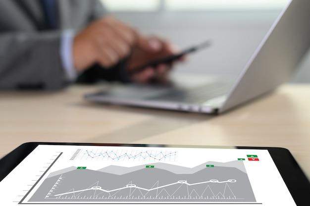 Lavora sodo data analytics statistiche informazioni business technology