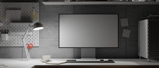 Spazio di lavoro in stile loft a tarda notte con monitor a bassa luminosità a schermo vuoto e spazio di copia 3d