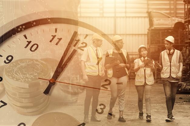 Orari di lavoro dei lavoratori, ore di lavoro del concetto di tempo di fabbrica dell'industria del lavoro.