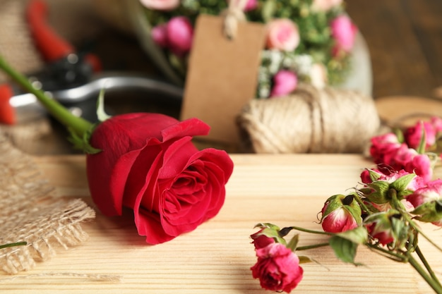 Luogo di lavoro di fiorista. foto concettuale