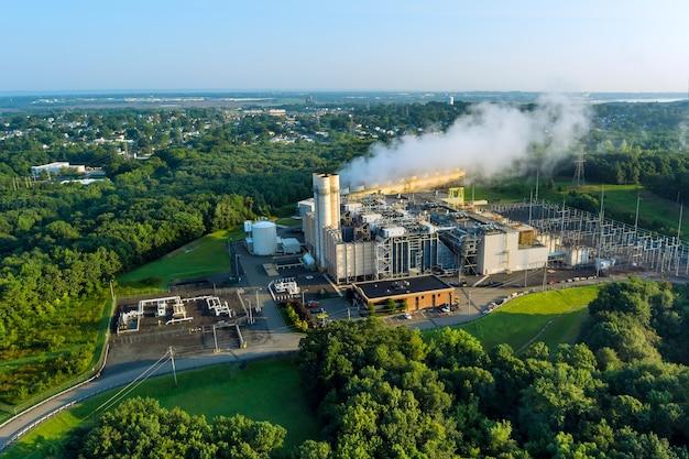 La centrale termica funzionante con il fumo è l'inquinamento atmosferico