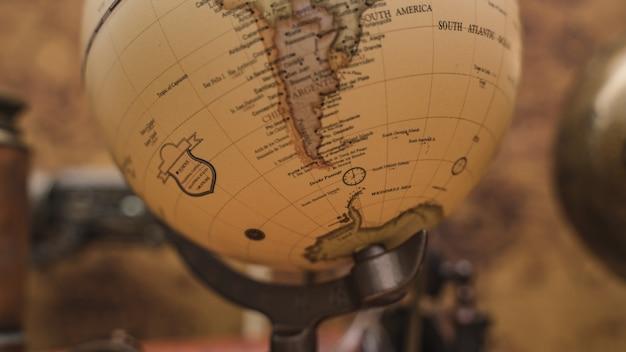 Modello world globe