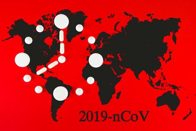 Mappa del mondo coronavirus covid-19, paesi con covid-19, mappa covid 19. aggiornamento della situazione della malattia di coronavirus 2019 diffusione mondiale del coronavirus. orologio fatto di compresse bianche con clessidra su rosso.