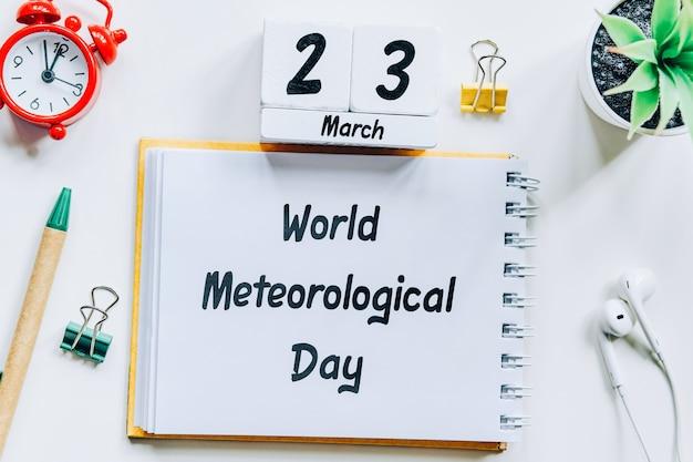 Giornata meteorologica mondiale del mese di primavera del calendario marzo.