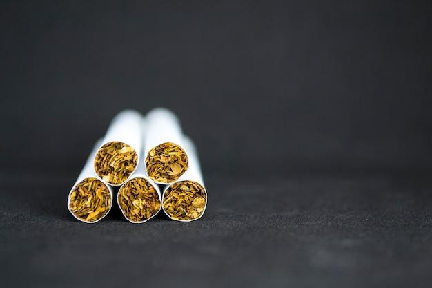 La giornata mondiale senza tabacco viene osservata in tutto il mondo ogni anno a maggio e ha lo scopo di incoraggiare una h...