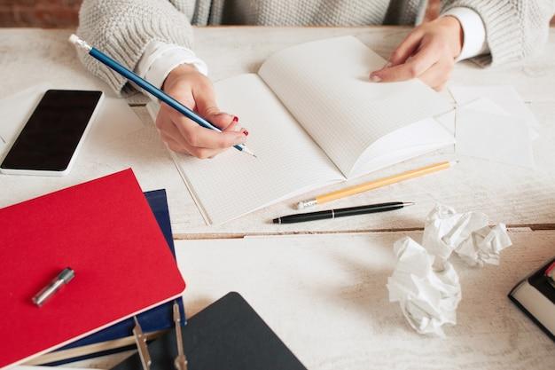 La scrittura di istruzione stress depressione crisi fallimento errore idea ispirazione concept