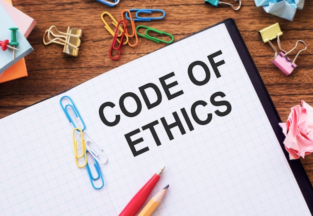 La scrittura della nota mostra il codice etico. attività che mostrano le regole morali integrità etica onestà buona procedura
