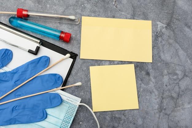 Scrivere medicina su prescrizione test di laboratorio analisi di virus prendere appunti importanti studi scientifici piani di trattamento forniture mediche attrezzature strumenti