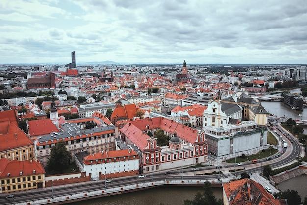 Panorama della città di breslavia. centro storico di wroclaw, veduta aerea