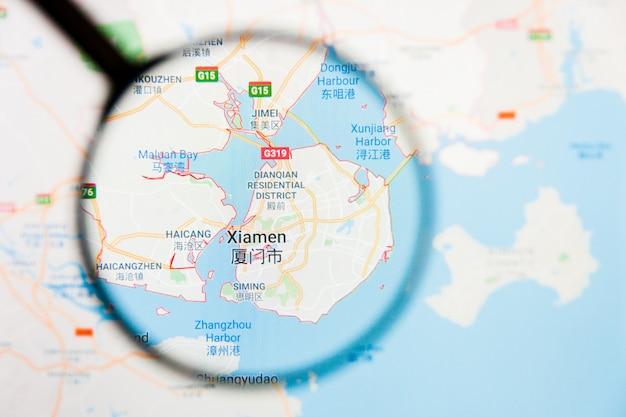 Xiamen, concetto illustrativo di visualizzazione della città della cina sullo schermo di visualizzazione tramite la lente d'ingrandimento