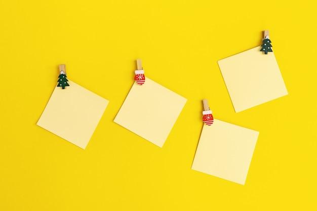 Note promemoria di carta gialla promemoria quadrato appiccicoso vuoto per scrivere idee cose da fare
