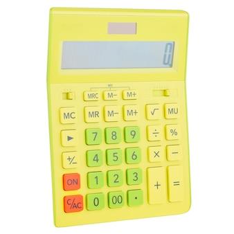 Calcolatrice digitale in plastica gialla, isolata su uno sfondo bianco, primo piano. economia dei simboli, matematica, contabilità, concetto di finanza. il giorno della conoscenza, per calcolare, per contare i soldi.