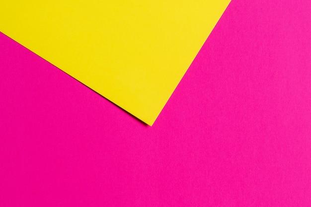 Giallo e viola. sfondo di carta a due colori. copia spazio, ftal lay