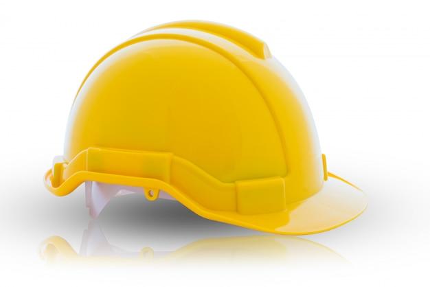 Casco di sicurezza giallo su sfondo bianco