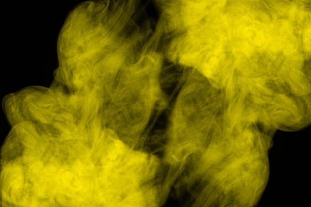 Vapore giallo su nero.