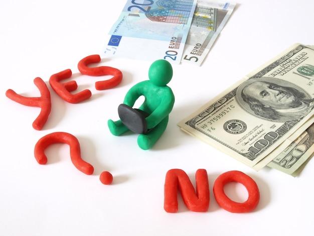 Sì e no parole e banconote in euro e dollari