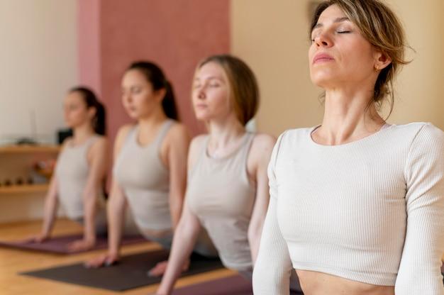 Classe di insegnamento dell'insegnante di yoga