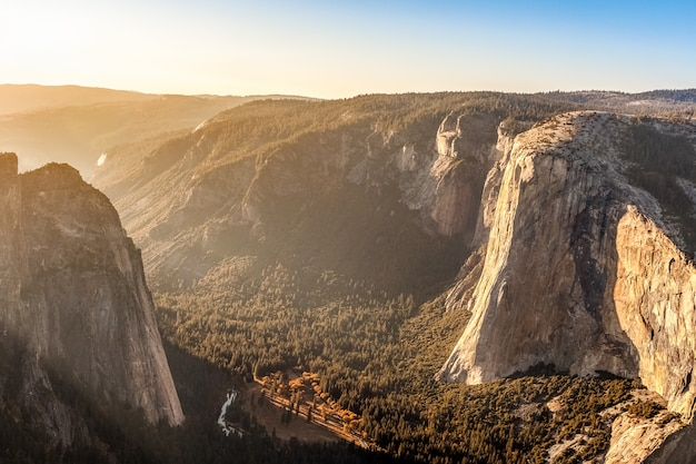 Yosemite valley al tramonto
