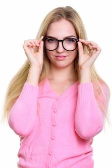 Giovane bella ragazza adolescente tenendo gli occhiali
