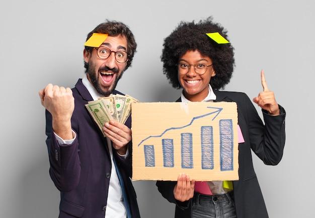 Giovane imprenditrice e uomo d'affari. ricchezza e crescere il concetto
