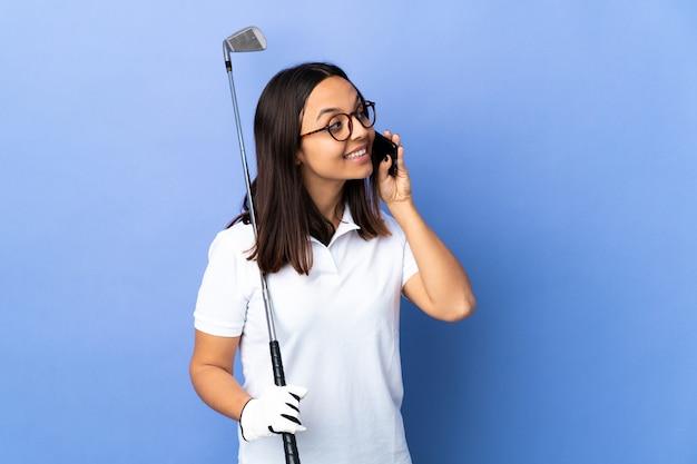 Giovane donna o golfista