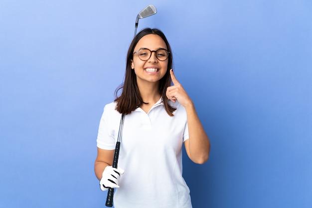 Giovane donna del giocatore di golf