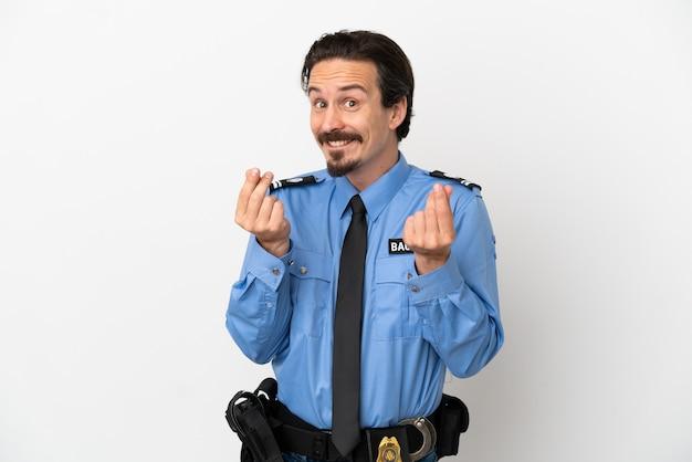 Giovane poliziotto sopra fondo isolato bianco che fa soldi gesture
