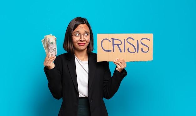 Concetto di crisi di giovane donna d'affari graziosa