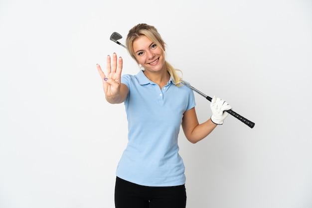 Giovane donna russa del giocatore di golf isolata su bianco felice e contando quattro con le dita